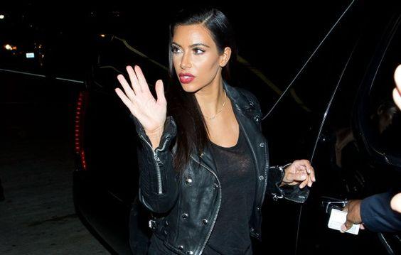 Kim Kardashian Tells Off Paparazzi at Airport | Star Magazine