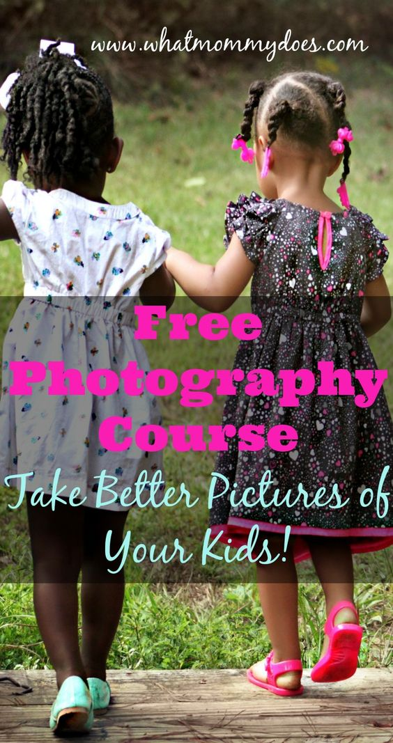 If you want to get better at family photography, you have GOT to check out this free class online. It's a photography class perfect for moms who want better pics of their kids!