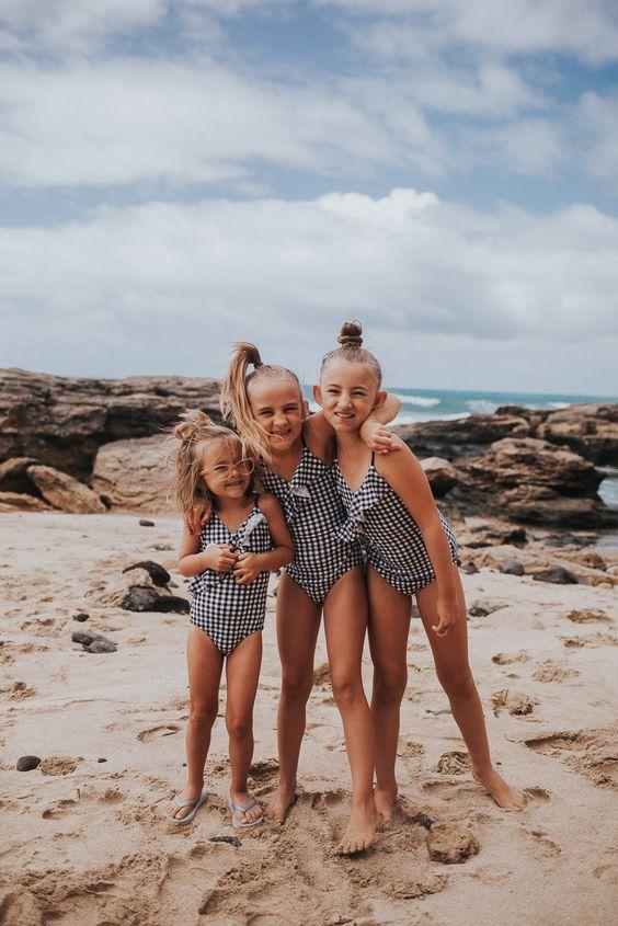 fotos de crianças tumblr na praia amigas