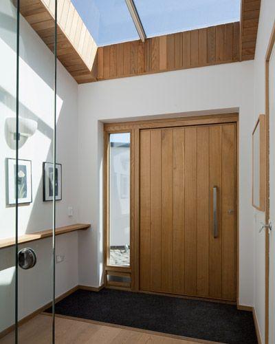 Porte d'entrée pivotante et élégante en 31 idées