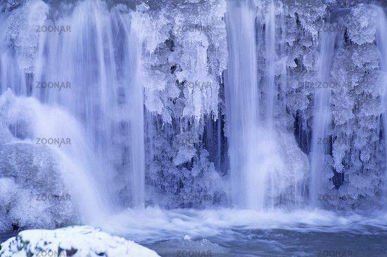 Wasserfall gefroren (Island).
