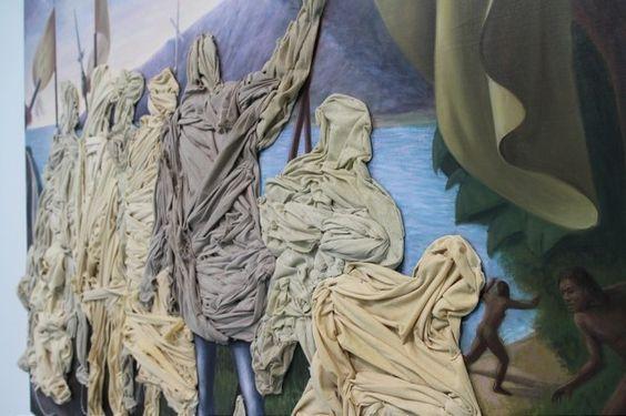 Pinturas y multicapas de Titus Kaphar  Titus Kaphar es un artista estadounidense actualmente recide en Nueva York y desde ahí él corta, dobla, esculpe y mezcla la obra de clásicos y renacentistas pintores para crear juegos formales y nuevas historias.