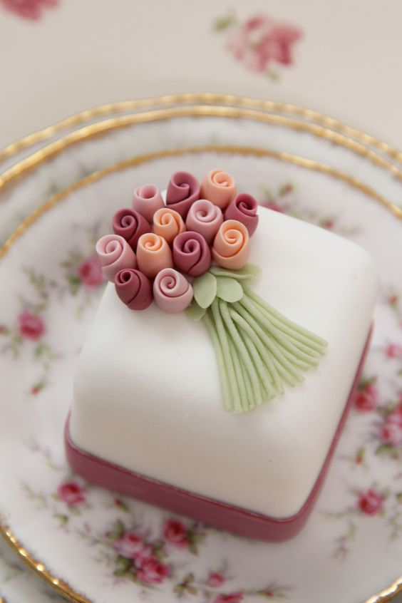 Wedding Cake Flavours & Designs with Sweetness Cake Boutique | Nu BrideNu Bride