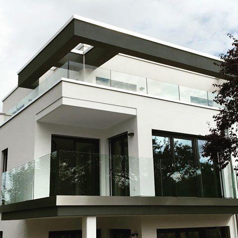 Dachterrasse und balkon mehrfamilienhaus limburg rs for Mehrfamilienhaus modern bauen