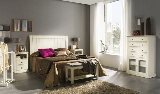 Matrimonio Bed Info : Habitación de matrimonio en madera maciza con cabecero