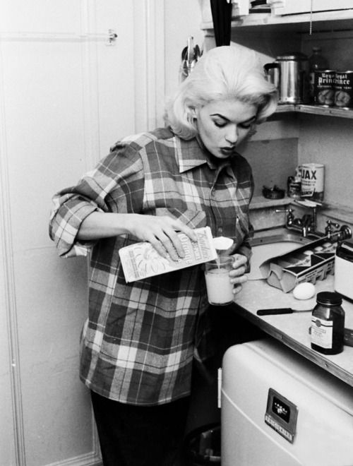 Jayne Mansfield at home by Peter Stackpole 1956