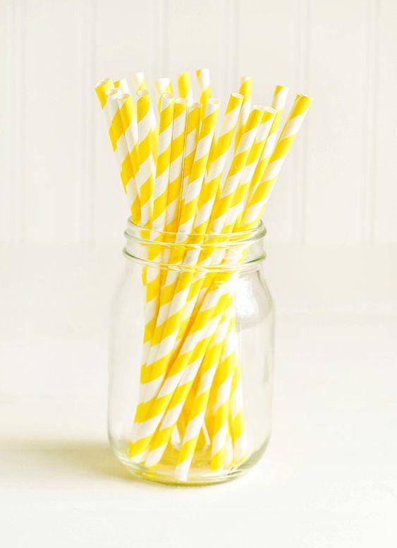 Pailles de papier à rayures jaune et blanc par thatchandthistleco