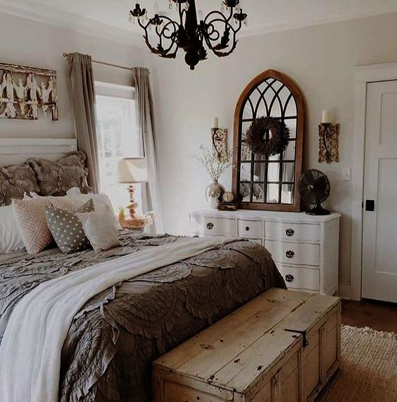A shabby chic bedroom is a heaven for those of you who love antique and secondhand products. Black Shabby Chic Bedroom Furniture Set Few Home Decor Stores Nearby Home Decor I Farmhouse Style Master Bedroom Farmhouse Bedroom Decor Master Bedrooms Decor