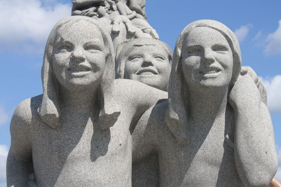 http://stephentravels.com/the-great-outdoors/life-in-bronze-and-granite-in-oslos-vigeland-park/