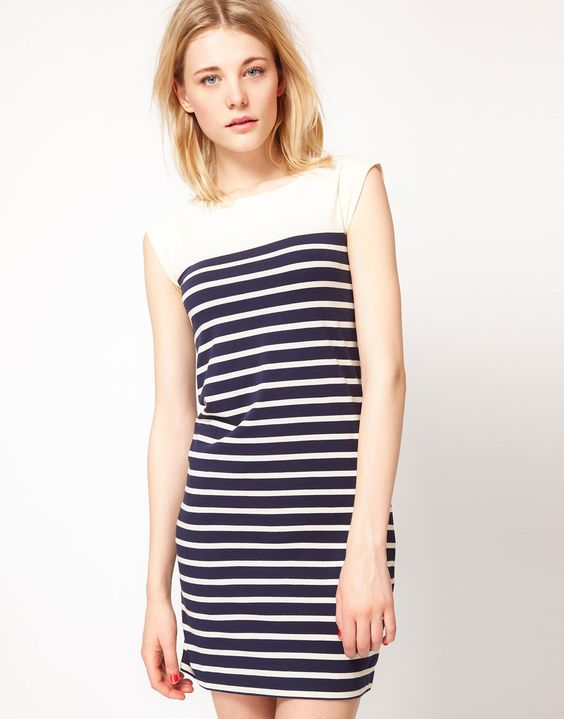 The chic and easy striped shift dress.