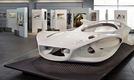 """Mercedes-benz exhibition """"The perfect moment"""""""