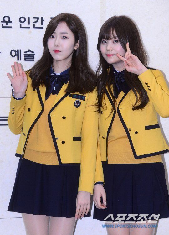 Graduation Photos Released Of Popular Idols Who Just Graduated High School Koreaboo School Uniform Fashion Kpop Girls Outfits