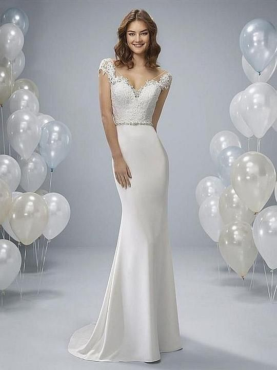 W1 White One Size 6 Orson Off White Gown Fit And Flare Wedding Dress Dresses Wedding Dresses