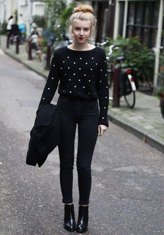 Tudo preto, Calça jeans curta and Botas de tornozelo on Pinterest