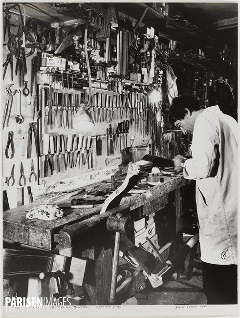 Cabinetmaker's workshop, 17 passage Molière. Paris (IIIrd arrondissement), 1981…