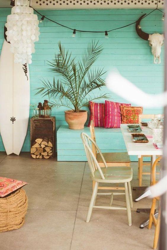 Fun tropical style and beach decor   tropical decor/ home decor/ island decor/ island life/ color schemes  #tropicaldecor #islandlife #islanddecor #colorschemes #homedecor