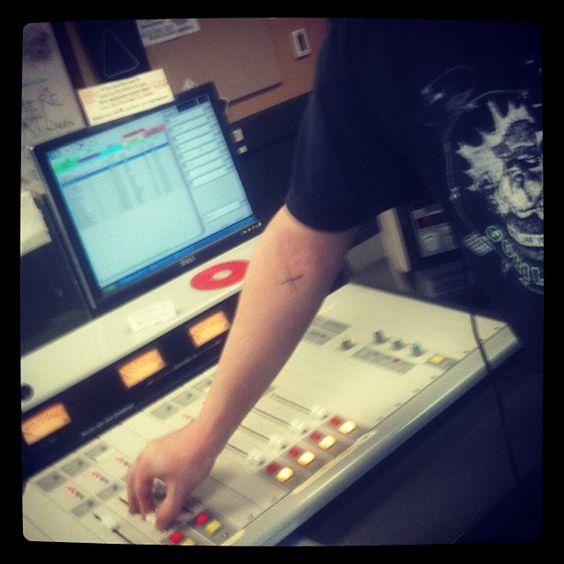 Jerrod working the board. #AvantOnAir #gso Tune in to @WUAG 103.1 FM or wuag.net Thurs 7-9pm.