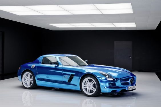 Mercedes-Benz SLS AMG Coupé Electric Drive – the world's fastest production electric supercar