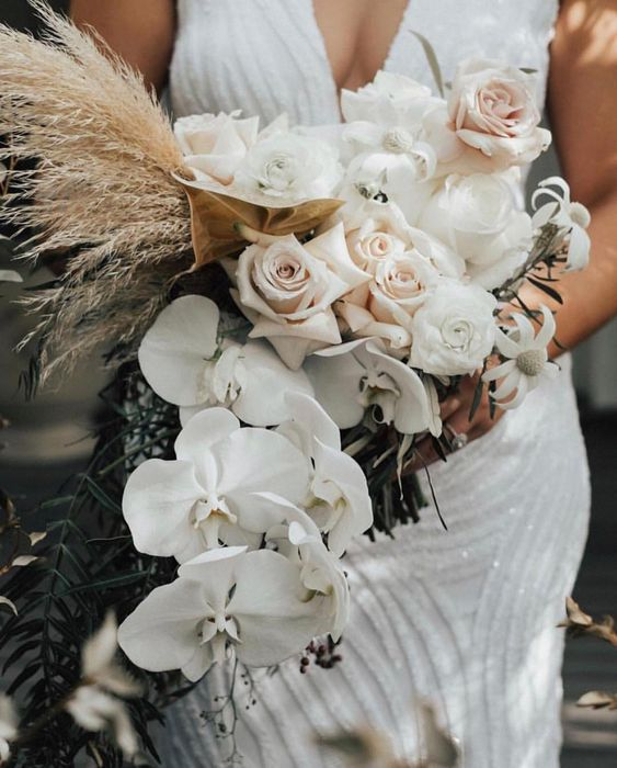 Situation superb. #bloombliss #bouquetbrilliance #ivorytribeBlooms @fleur_my_darling pic @heartandthesea