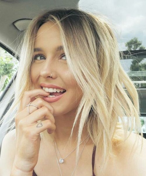 Easy Shoulder Length Blonde Haircut Styles For Girls To Show Off In 2019 Trendy Hairstyles Blonde Haircuts Hair Hair Styles