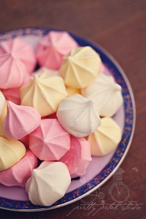 Fine Art photographie, biscuits de Meringue, Rainbow vanille, pâtisserie Photo, Pastel, rose, Dessert, Cafe Art, bonbons, Art cuisine, nourr...
