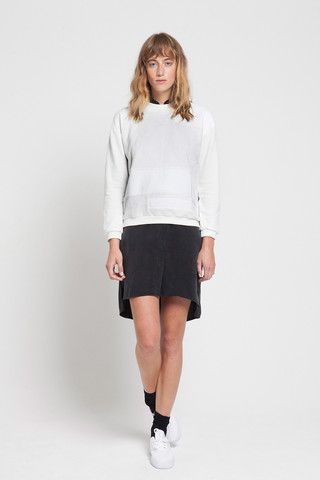 "CREATE PATCHWORK cloud-white – A comfortable yet slightly structured sweatshirt with a wide collar rib, ""CREATE PATCHWORK"" has a very modern feel thanks to a unexpected mixture of fabrics. It has asymmetrical inserts that travel from front to back as well as on elbows.  Very simple yet interesting top brings a subtle twist to this modern classic."