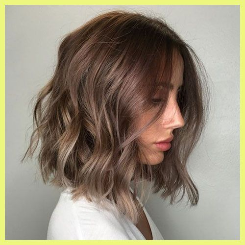 Google Afbeeldingen Resultaat Voor Https Contener Org Wp Content Uploads Haircuts Wavy Hair 413348 Shor In 2020 Thick Hair Styles Short Wavy Hair Short Brunette Hair