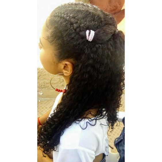 """37 curtidas, 0 comentários - shirley beatriz (@beatriz_mats) no Instagram: """"Trança frontal. #penteados #trancas #trancistas #penteadosmadrinhas #trancastyle #penteadeira…"""""""