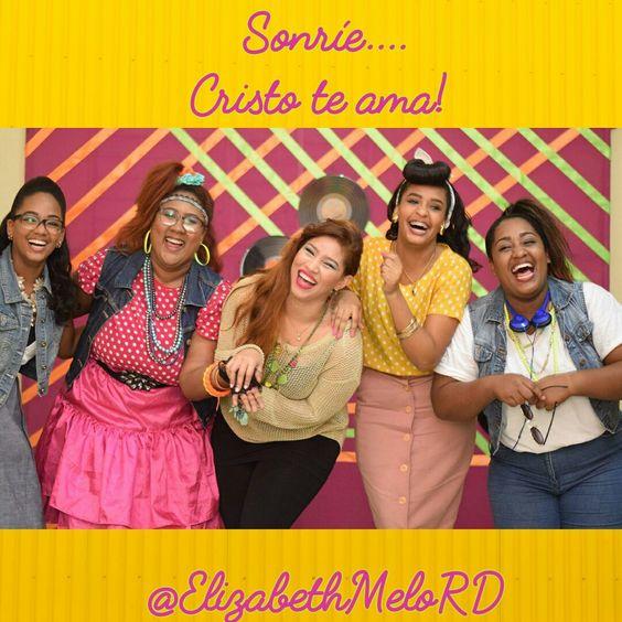 Sonríe, Cristo te ama.!  #CristoTeAma #Sonrie #SeFeliz #Vive #Ama #Confia #DiosEsBueno #Amigas #Friendship #Amistad #80sParty #JuventudCristiana #JuventudQueAmaADios #ElizabethMeloRD #YoSoyRemis #RemisRD #Fundacion