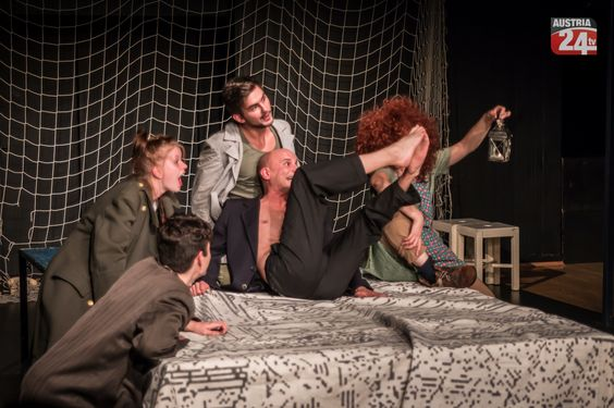 "Pygmalion Theater Wien präsentiert  ""Franz Kafka: Das Schloss""  Mehr unter >>> http://goo.gl/W1xqaS"