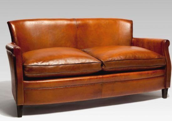 Choosing A Leather Sofa Enhance Your Home Decor With A Brand New Sofa With So Many Choices From Which T Small Leather Sofa Leather Sofa Comfortable Furniture