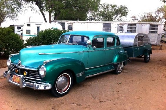 Vintage teardrop trailer hooked to a 1947 Hudson  in Albuquerque, New Mexico (haw-creek.com)