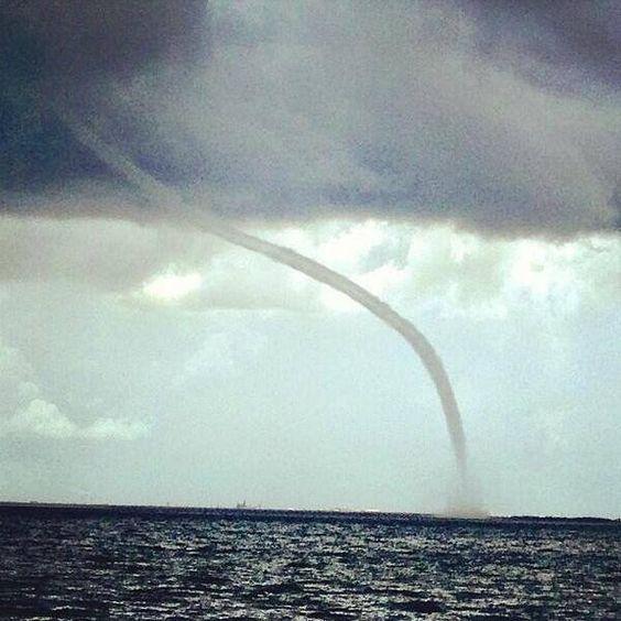 Florida water spout | WEATHER | Pinterest | Florida ...
