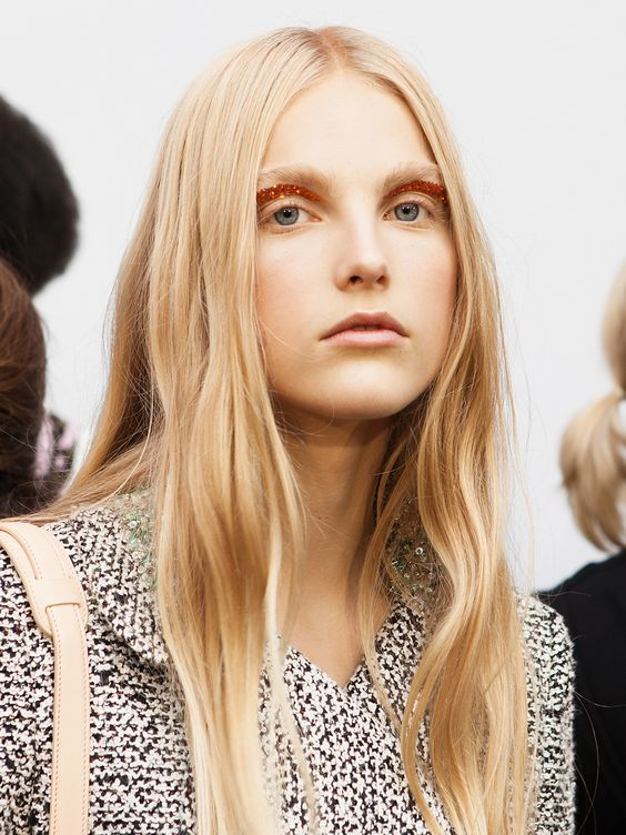 How to Do Glitter Eyes Like a Pro: Backstage at the Giambattista Valli Show
