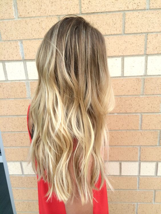 Low maintenance blonde hair with balayaged highlights