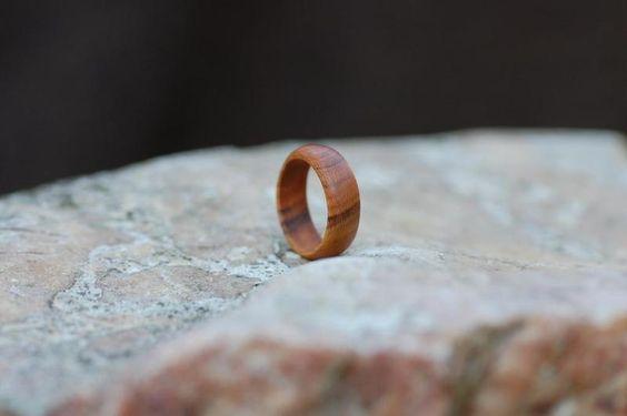 Holzring Ring aus Zwetschgenholz von fabol auf DaWanda.com