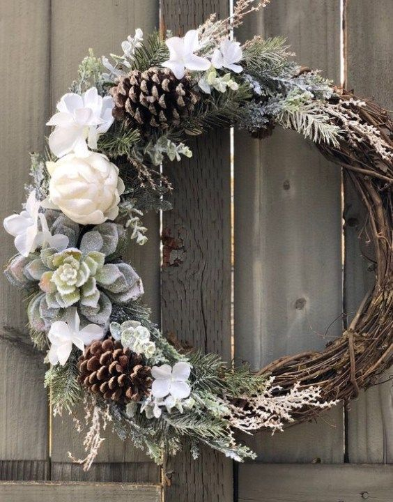 Unique Christmas Wreath Decoration Ideas For Your Front Door 35 In 2020 Christmas Decorations Wreaths Christmas Wreath Designs Front Door Christmas Decorations