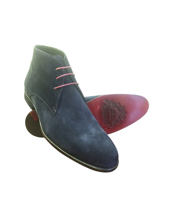awesome NAVY SUEDE CHUKKA WITH RED