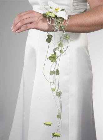 bouquet de fleurs moderne bouquet fleurs mariage blanc bouquet mariage bouquet bracelet mariage compositions mariages bijoux fleurie - Fleurs Lyophilises Mariage