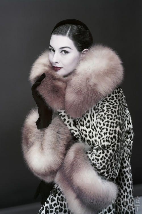 Photo: Erwin Blumenfeld. Vogue, 1954.