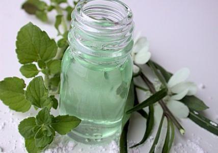 Recette : Lotion tonique purifiante et matifiante pour peaux à problèmes - Aroma-Zone Réalisable en modifiant les ingrédients