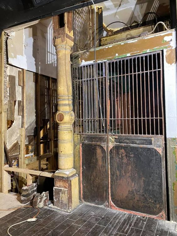 19e-eeuwse lift onthuld in Old Florida Hotel - Archeology Magazine