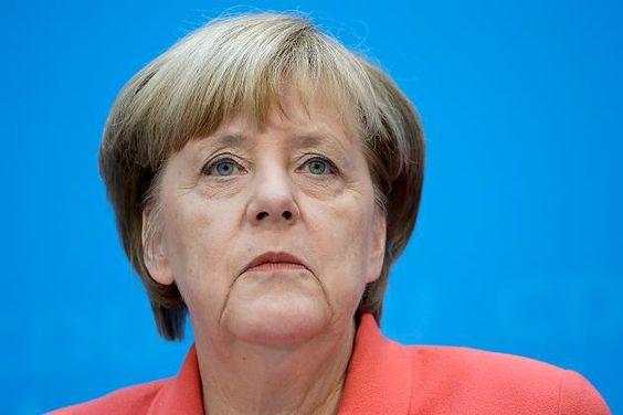 """Merkel: """"Wenn ich könnte, würde ich die Zeit zurückdrehen"""""""