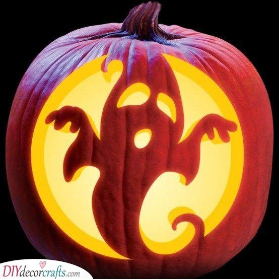 A Scary Ghost Creative Pumpkin Decorating Ideas Halloween Pumpkin Carving Stencils Scary Pumpkin Carving Pumpkin Carving