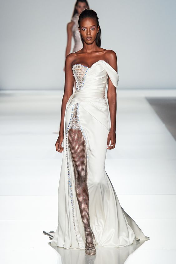 Ralph  Russo Spring 2020 Couture Fashion Show Collection See the complete Ralph  Russo Spring 2020 Couture collection Look 37