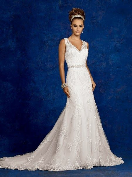 Amazing Monique Lhuillier Willow Wedding Gown 9576_diamond_white.j