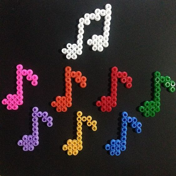 music hama beads by pixellhama perler bead pinterest notes de musique ps et perles. Black Bedroom Furniture Sets. Home Design Ideas