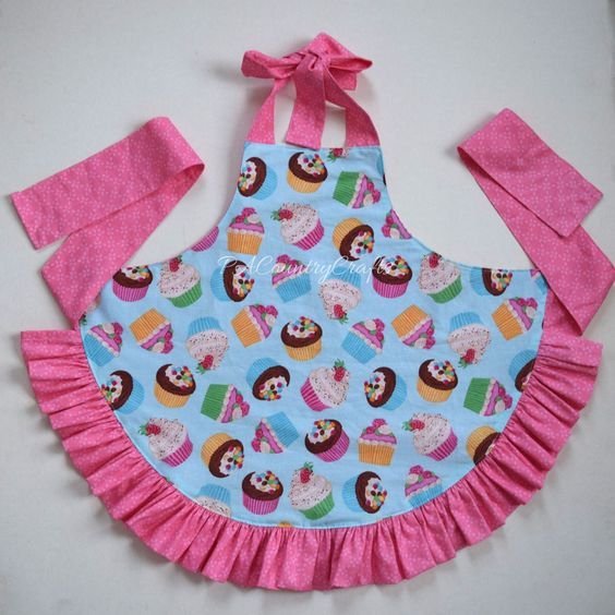 PACountryCrafts: Girls Ruffle Apron Pattern and Tutorial:
