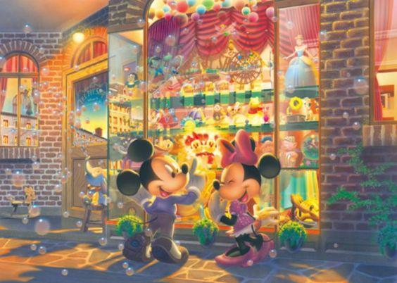 おもちゃ屋で買い物をするミッキーマウスとミニーマウス