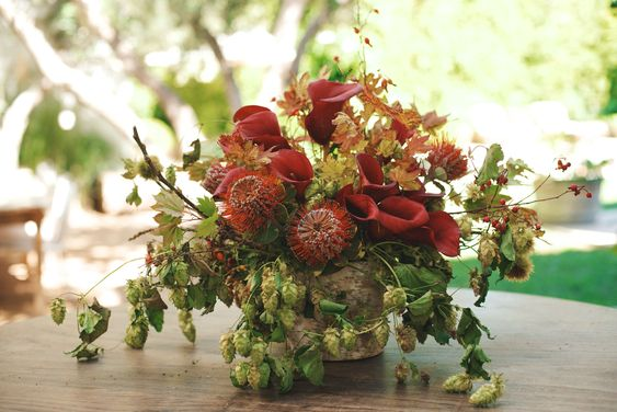 Stunning Arrangements Simplified with Yasmine Floral Design: A Holiday Centerpiece